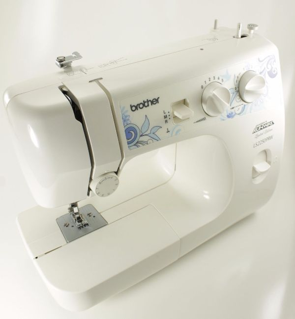 monogram-machine-BROTHER-XR9500PRW